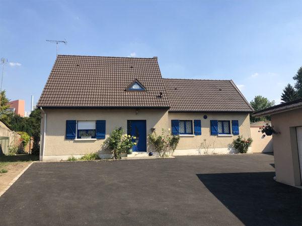 enlever la mousse du toit : faites appel à GM Entretrenir, Le spécialiste du démoussage toiture dans les Hauts de France
